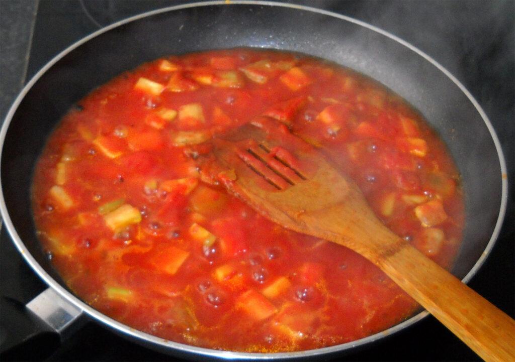 paprikos pomidoru sultyse