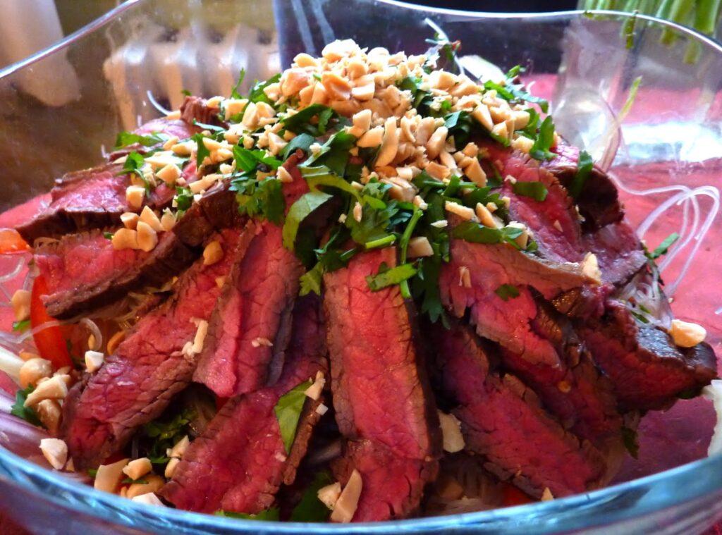 azijietiskos salotos
